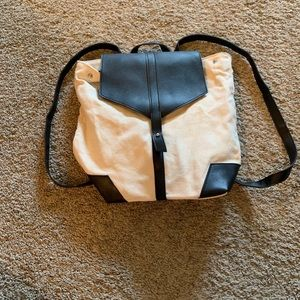 Handbags - Canvas Backpack Purs NWOT